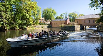 350px-Lowell_boat_tour